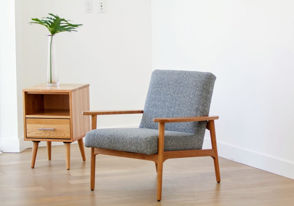 Boulevard Side table and Lounge Chair